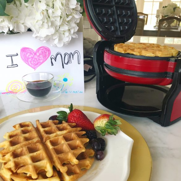 Priscila's Kitchen: The Best Waffles For The Best Mom