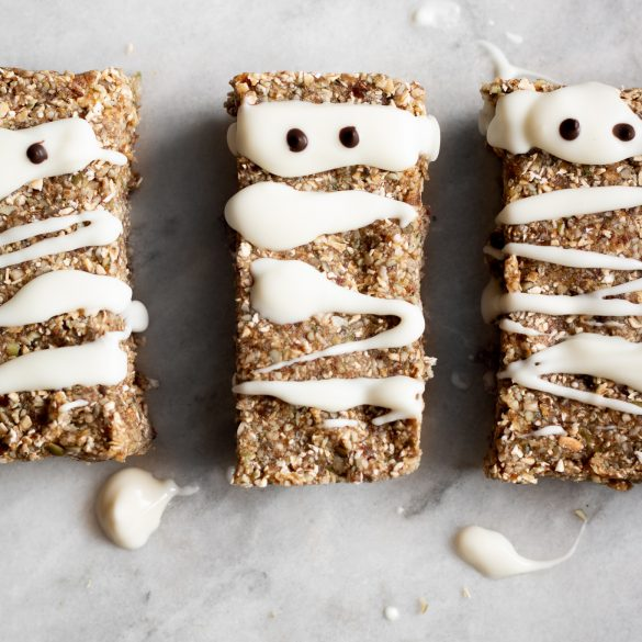 It's Spooky Season! Halloween No-Bake Mummy Granola Bars